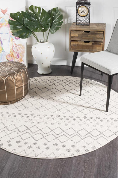 Oasis Selma White Grey Tribal Round Rug