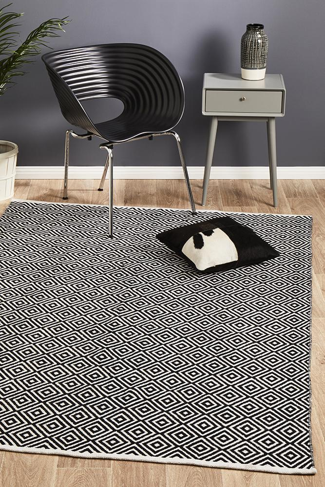 Spirit Diamond Black Rug