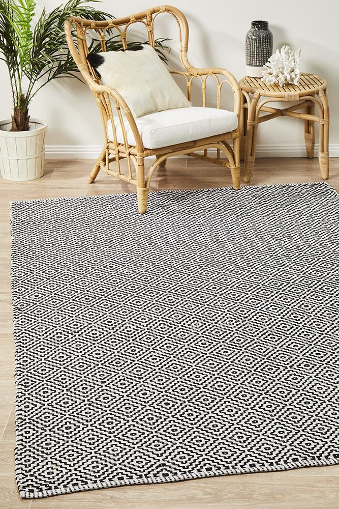 Spirit Carter Textured Modern Rug Black White