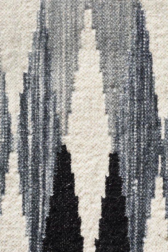 Studio Frida Uber Gradient Rug Black Grey White