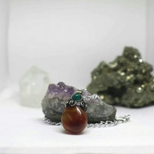 Load image into Gallery viewer, Stone Traveler Pendant Chain Necklace
