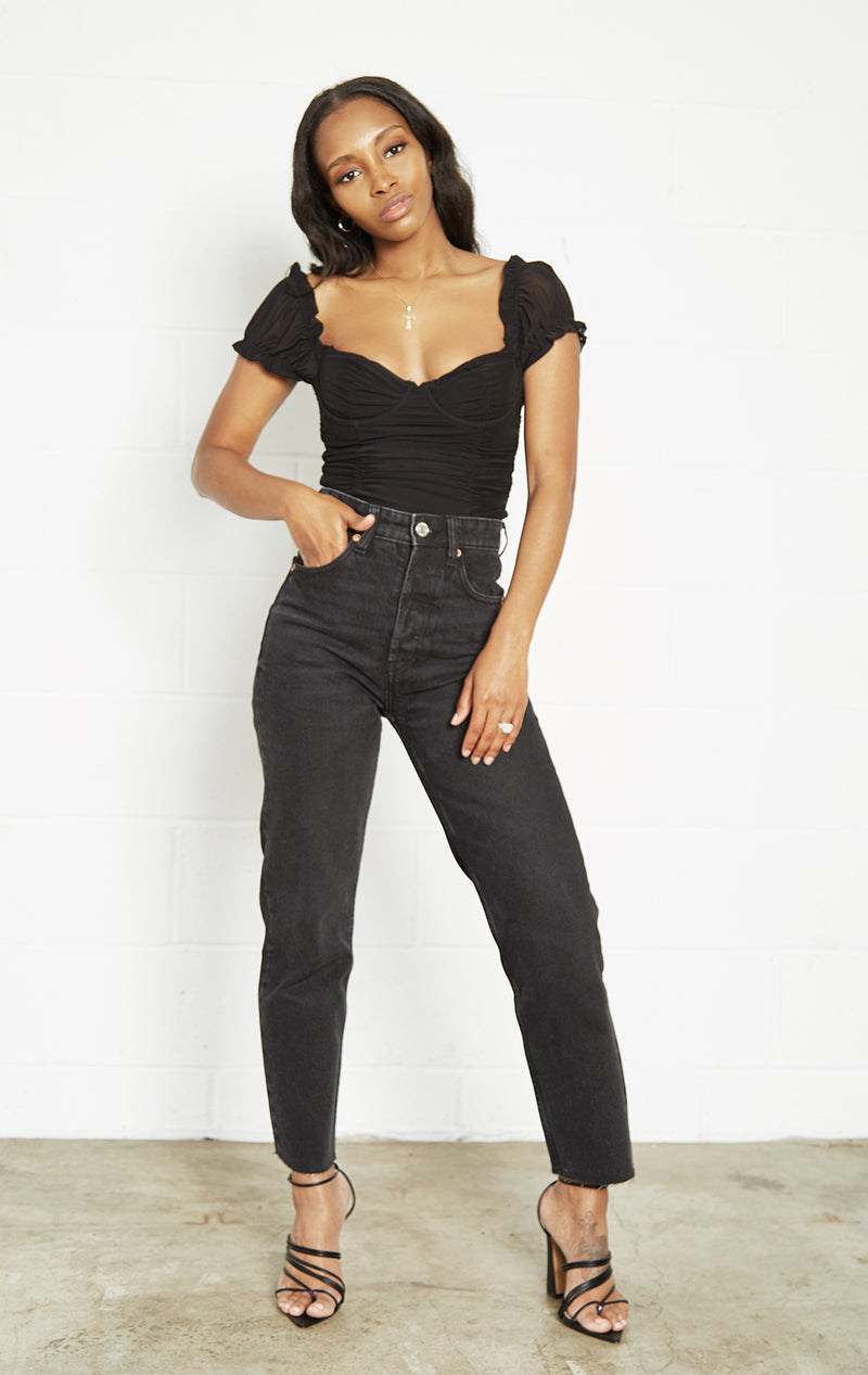 BLACK ROMANTIC SWEETHEART NECK TOP