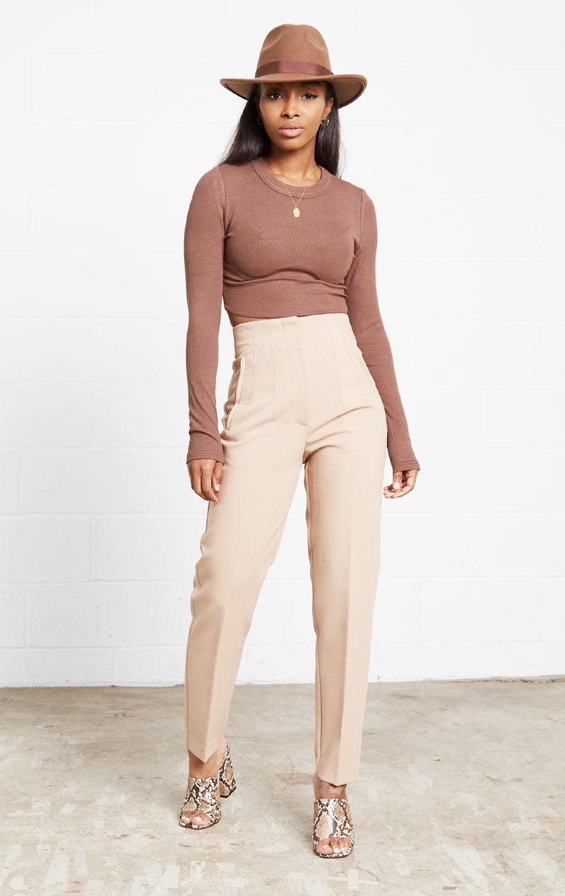 COCO SOFT KNIT CROP TOP