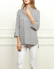 Load image into Gallery viewer, Aileen Button Back Tunic In Black/White Chainlink Print