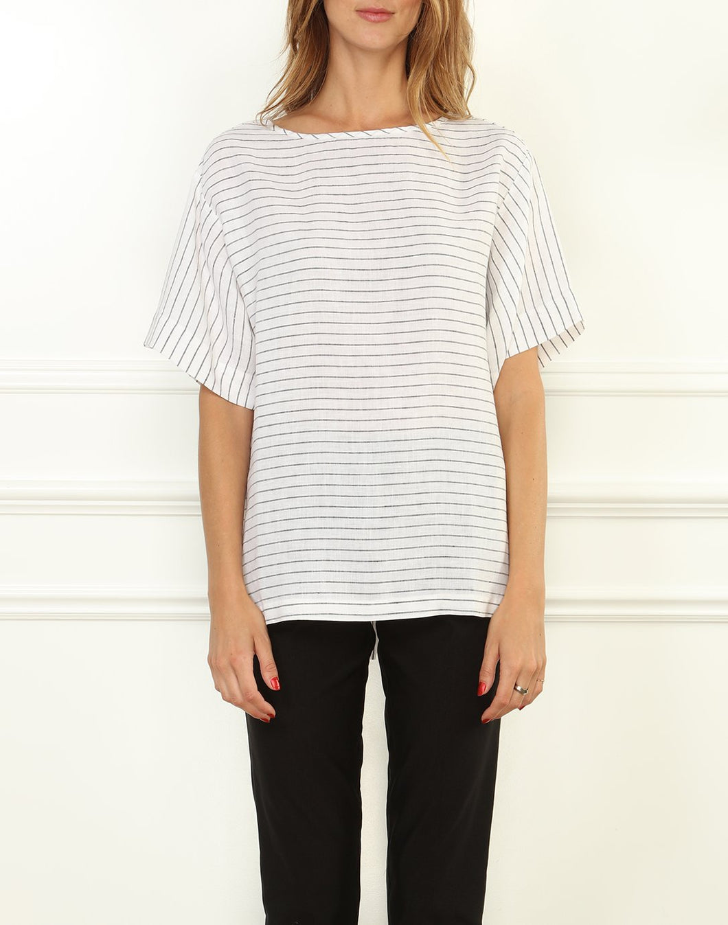 Fiona Luxe Linen Button Back Tee In White/Black Stripe