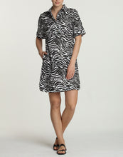 Load image into Gallery viewer, Aileen Short Sleeve Luxe Linen Zebra-Print Dress