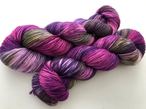 Flowering Cabbage on 80% Superwash Merino/20% Nylon 2-Ply Twist Sock