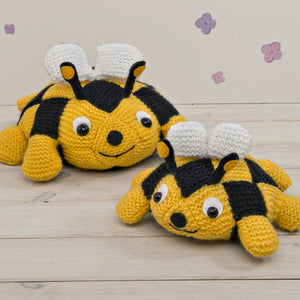 Honey and Blossom Bees Knitting Kit