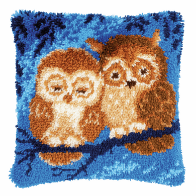 Cuddling Owls Latch Hook Cushion Front Kit