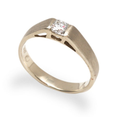 14k Band with .29ct Diamond