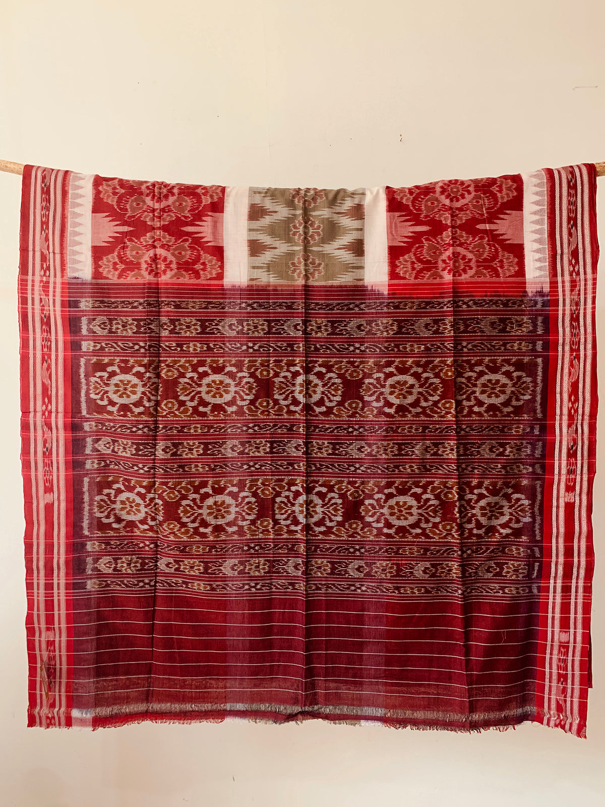 Handwoven Cotton Red sea green Ikat Body design saree OH016