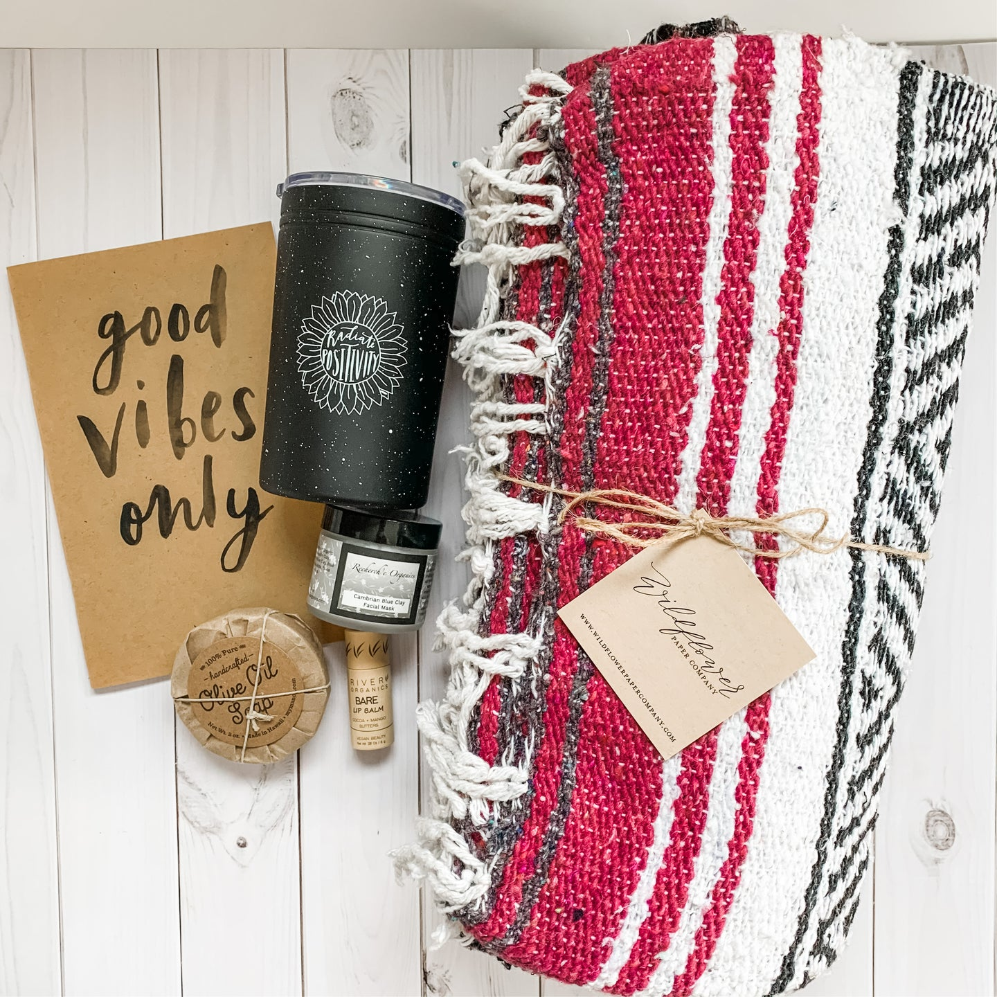 Holiday Gift Set - Good Holiday Vibes Only