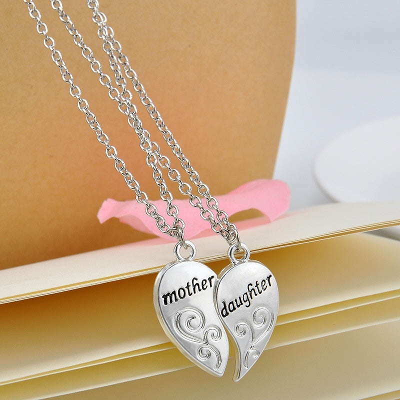 1 Pair Mother Daughter Engraved Two-shaped Necklace Inside Mother's Day Necklace
