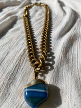 "Load image into Gallery viewer, Vintage Cuban Link Choker with Agate Crystal 16""L Crystal 3/4""L - Ola Wyola"