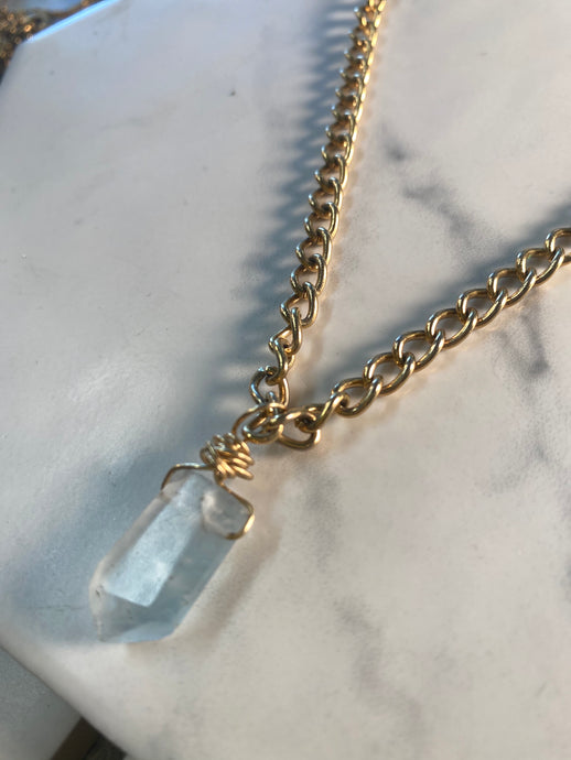 Dainty  Golden Soul Chain Necklace with Faceted Fluorite Crystal