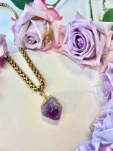 "Load image into Gallery viewer, Byzantine Golden Soul Chain Necklace  with Chunky Amethyst Crystal - 24""L Crystal 1""L - Ola Wyola"