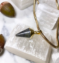 Load image into Gallery viewer, Dainty Baby Labradorite Serpentine gold Soul Chain