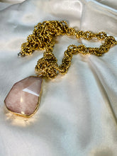 Load image into Gallery viewer, Chunky Gold Soul Chain w Faceted Rose Quartz Crystal