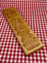 Load image into Gallery viewer, Dutch biscuit mould - 3 figures - Big Bite Dutch Treats