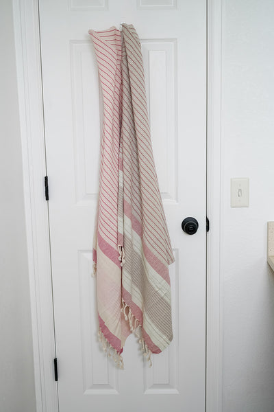 "the ""loveloomed"" hooded hamam towel wrap [0-12M]"