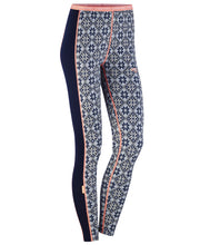 Tight leggings with a nordic design.
