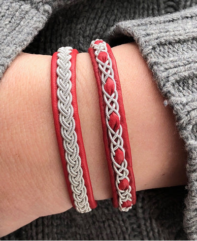 Red Greta Bracelet in Reindeer Hide by Julevu for Aktiv from Lappland