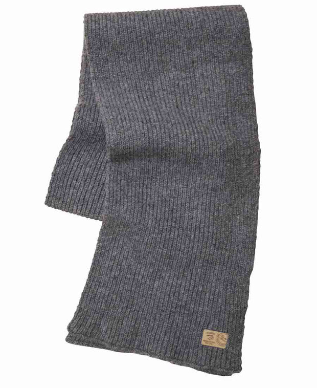 Cozy rib knitted wool scarf in Grey.