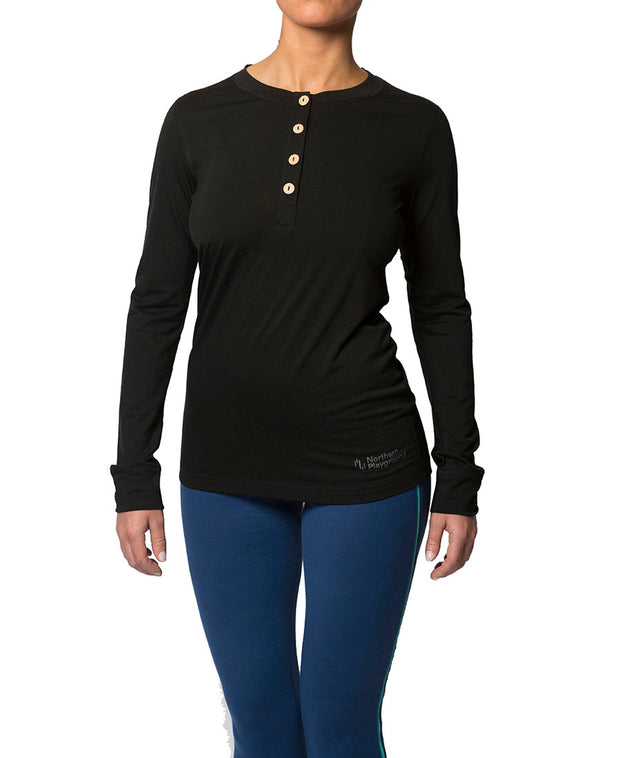 organic wool & silk long sleeve shirt womens black by northern playground for aktiv scandinavian outdoor wear front view
