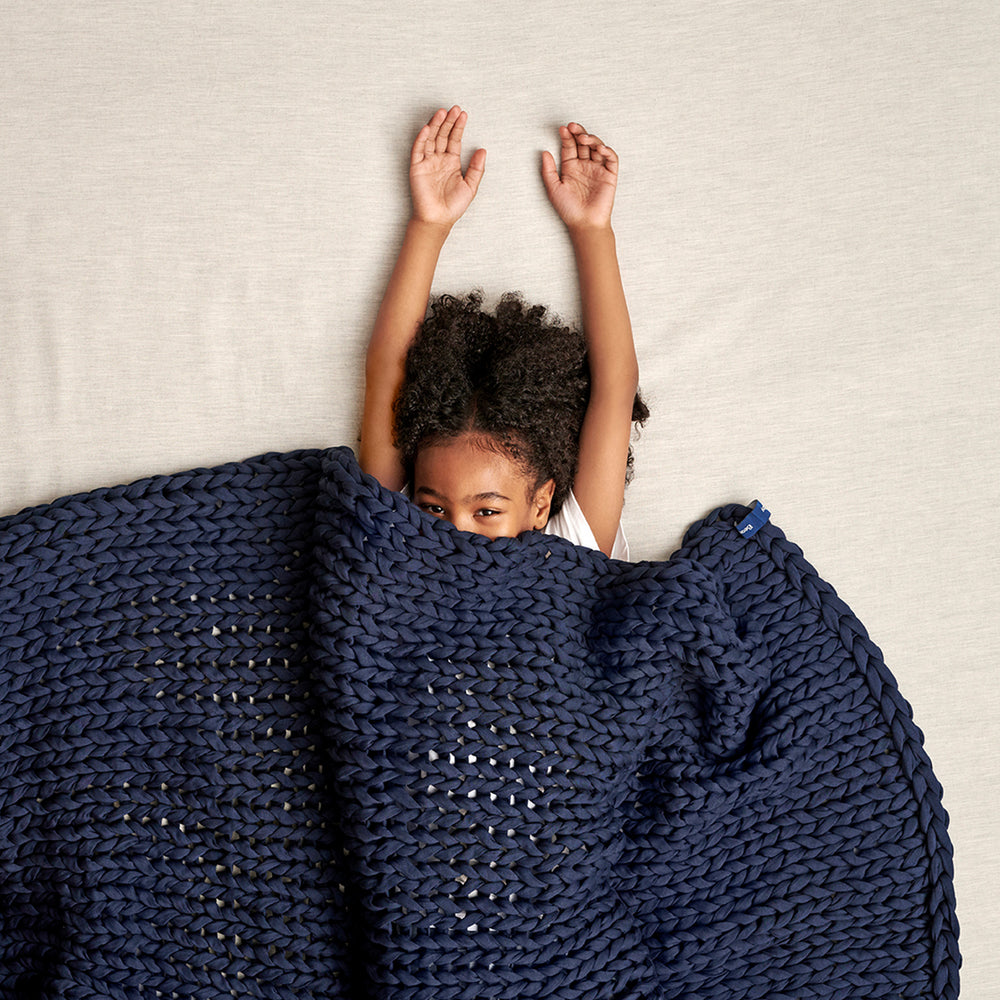 Bearaby Blog - Benefits of weighted blankets for kids