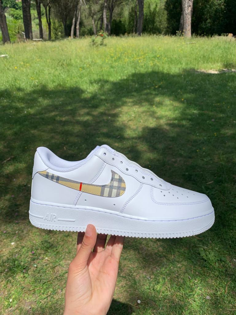 <transcy>Air Force 1 «Burberry Swoosh»</transcy>