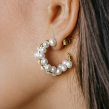 Load image into Gallery viewer, Hoops Earrings with Pearls | Jomaro