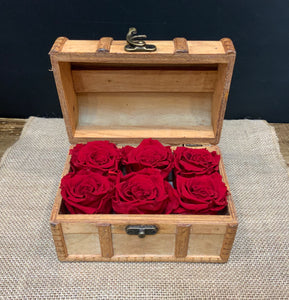 6 Preserved Red Roses in Wooden Treasure Box