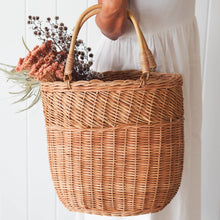 Load image into Gallery viewer, Rattan Bucket Bag