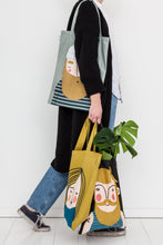 Load image into Gallery viewer, Spira friends tote bag - Ebbot