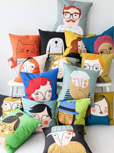 Load image into Gallery viewer, Spira Friends cushion/cover - Renate