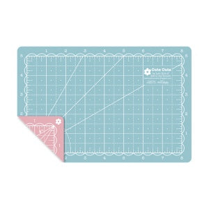 "Cute Cuts - Mini Cutting Mat (5"" x 8"")"