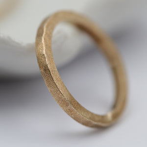 9ct matt gold ring - size UK P, US size 8