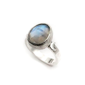 Moonstone Ring size UK M, US 6.5