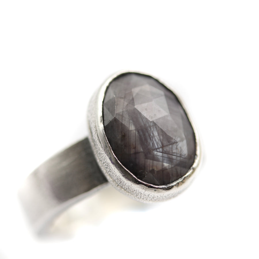 """Winters morning"" Ring size UK P, US 8"
