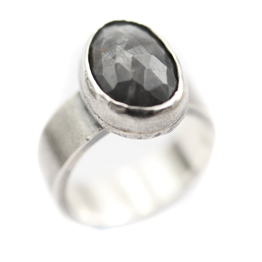 """Winters morning"" Ring size UK L, US 6"