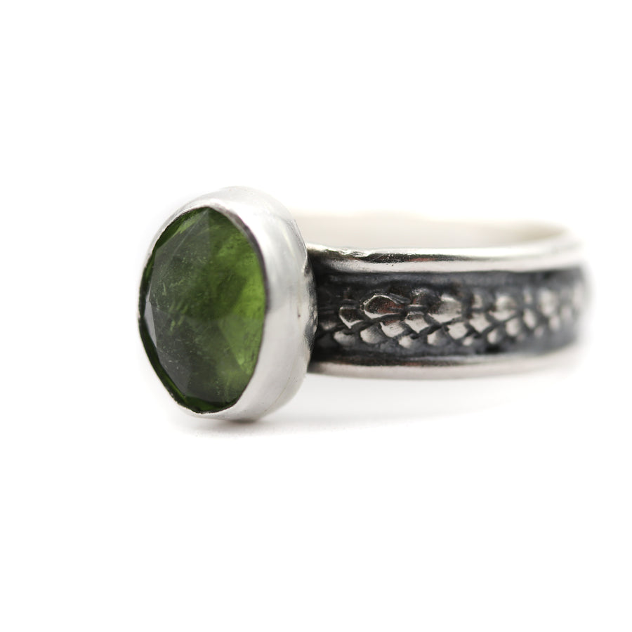 Peridot ring size UK M / US 6.5