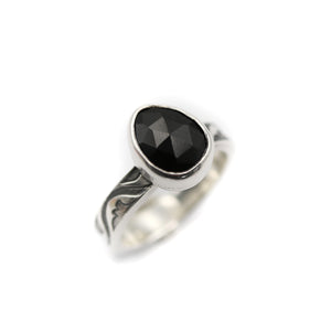 Black Spinel Ring size UK N, US 7
