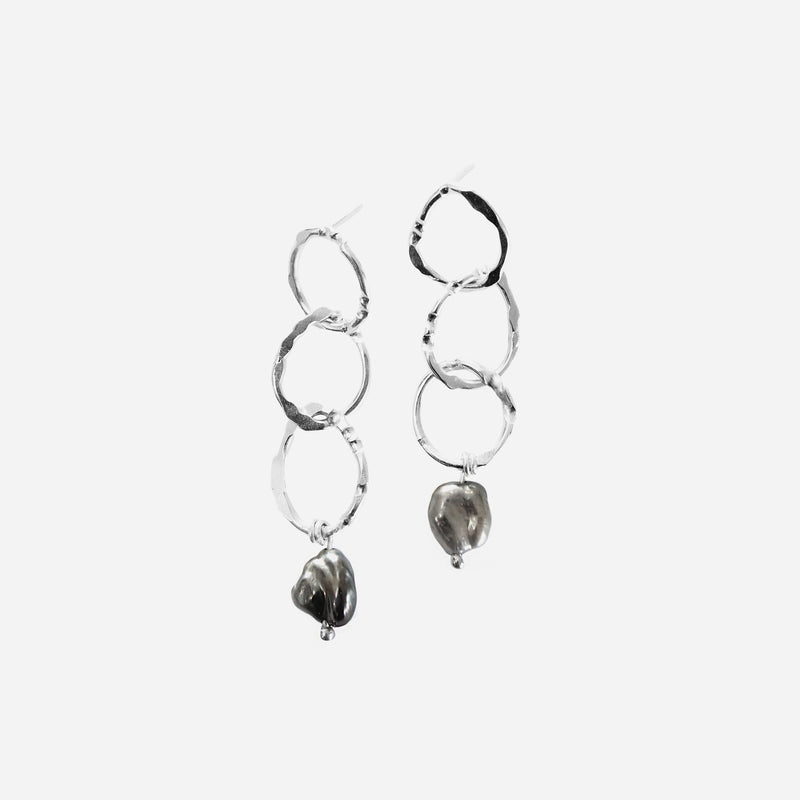 Trace keshi earrings