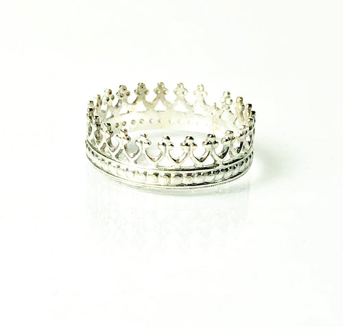 Crown ring in sterling silver