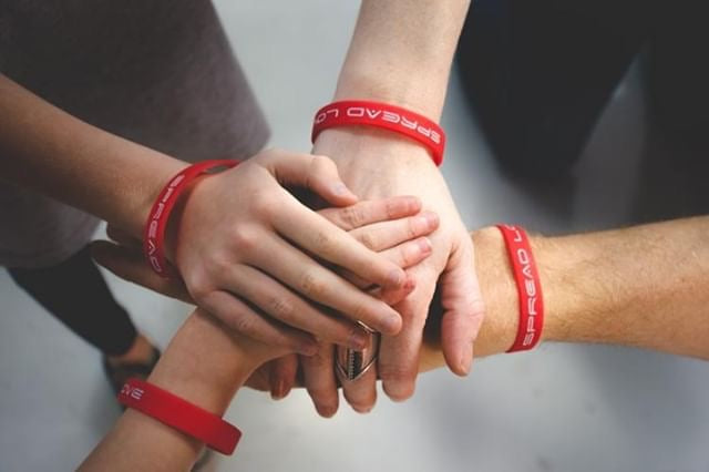 Spread Love Silicon Wristband