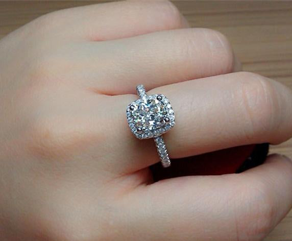 925 Sterling Silver Classic Engagement Ring