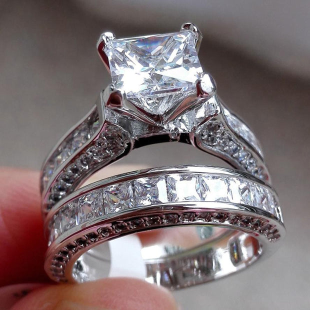 VINTAGE WHITE SAPPHIRE DIAMOND RING SET