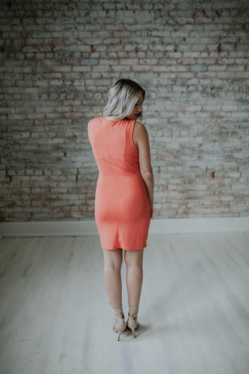 Coral Short Dress with Detachable Necklace