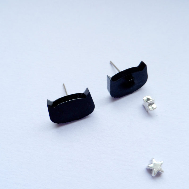 Black Cat Earrings - House Of Wonderland, HOW