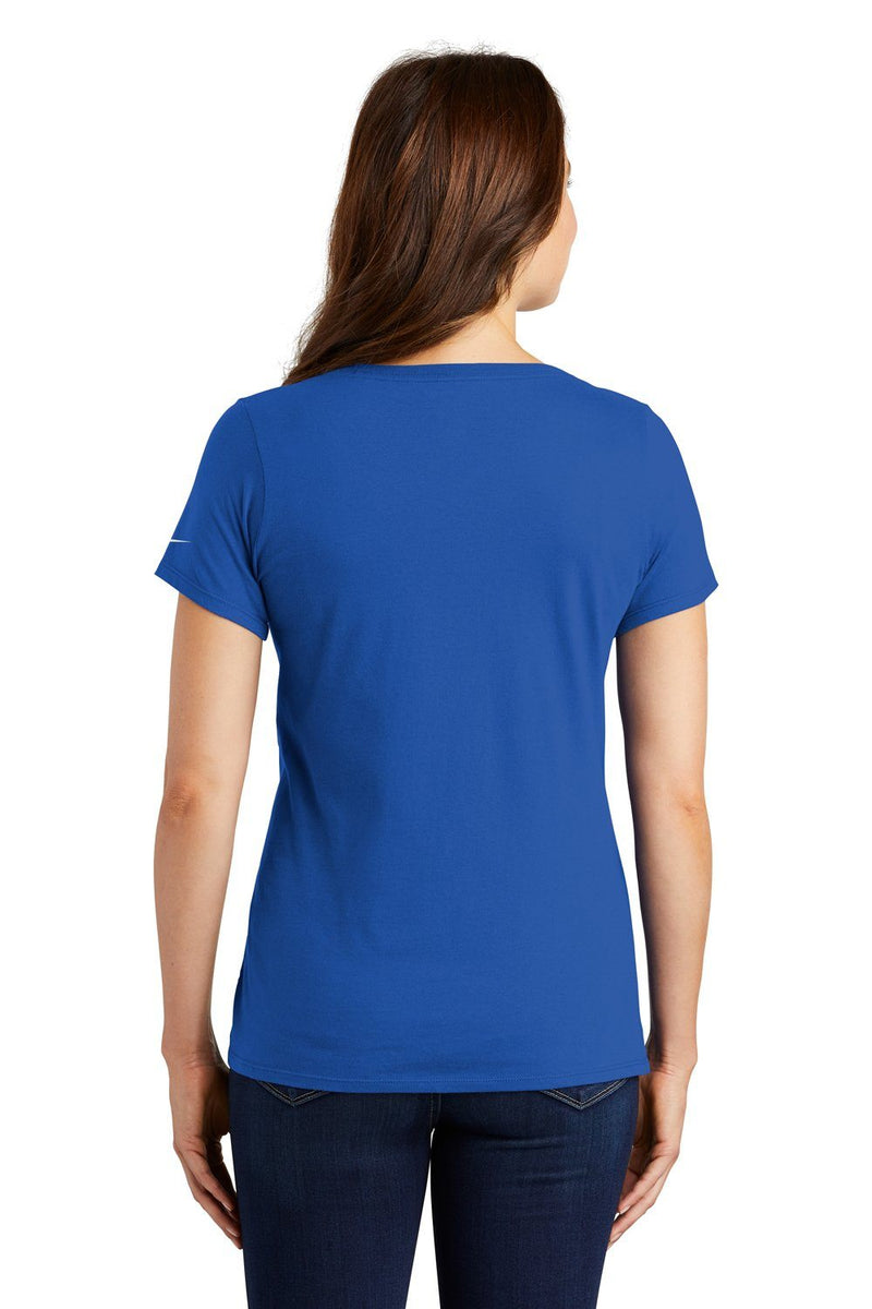 Nike Womens Core Short Sleeve Scoop Neck T-Shirt Womens T-Shirts Nike